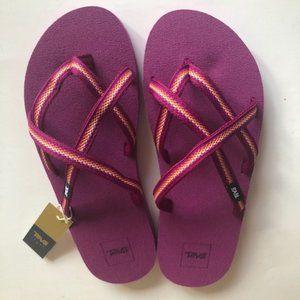 Teva Olowahu Flip-Flops sandal. Purple. Size: 7, 8